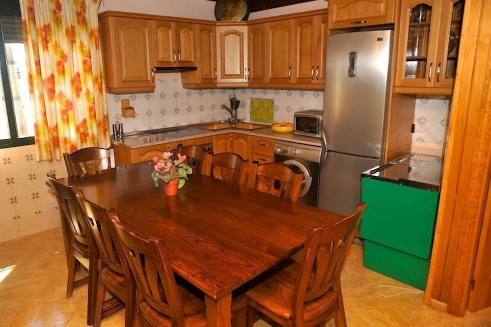 Private Kitchen, Charming Accommodations