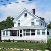 Beach View Home at Jenness Beach yet on Quiet Road- Perfect for Family Getaways!