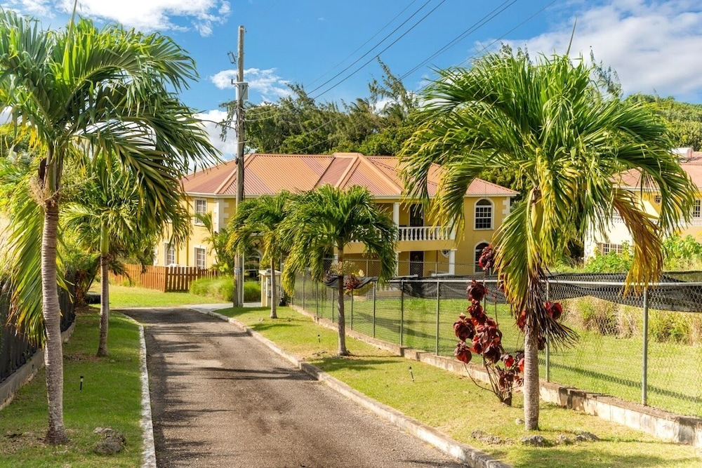 Property Grounds, Gated, Quiet Location, Spacious Open-plan GF, Garden, Pool, Fast Wifi, en Suites
