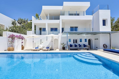 Beautiful Villa With Amazing sea View