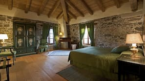 4 dormitorios, tabla de planchar con plancha, wifi y ropa de cama