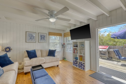 Dog-friendly Apartment in Ocean Bay Park - Walk to the Beach/entertainment!