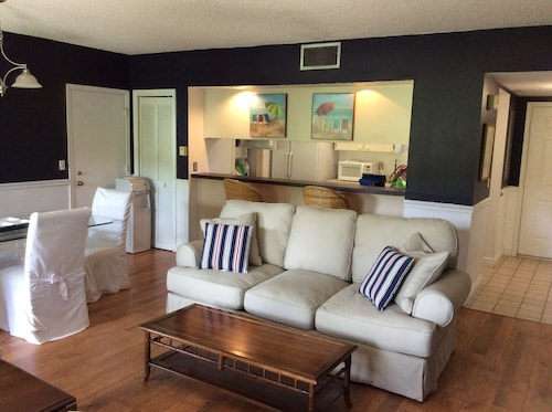 1-bdrm Palm Beach Polo Club