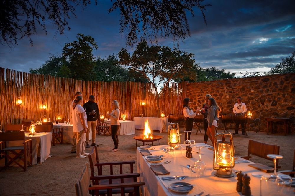 Outdoor Dining, Lion Sands Narina Lodge