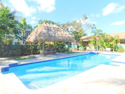 Tropical Breeze South 3 /2.5 for 8 Heated Pool