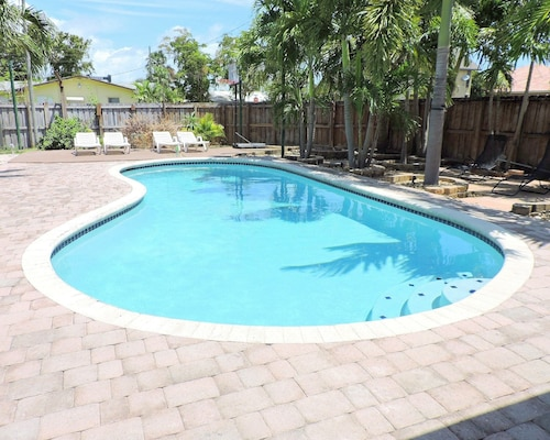 Casa Del Sol 3/2 for 10+ Very Private Heated Pool