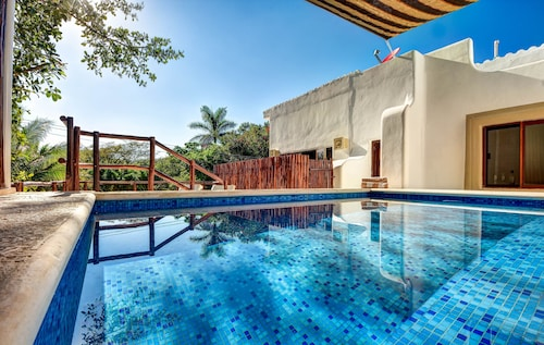 Beautiful Villa FOR 14 People With Private Pool IN Front OF Entrance Beach