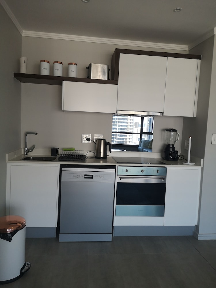 Private Kitchen, Smart Apartment Five