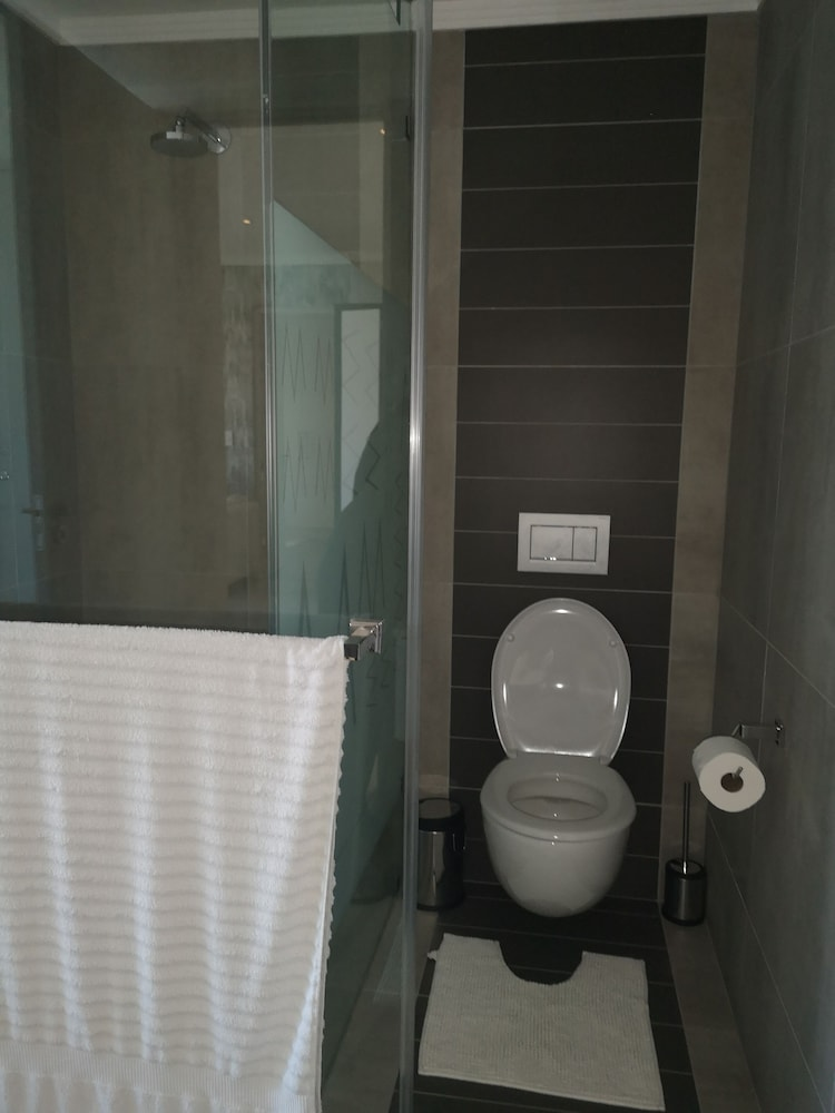 Bathroom, Smart Apartment Five