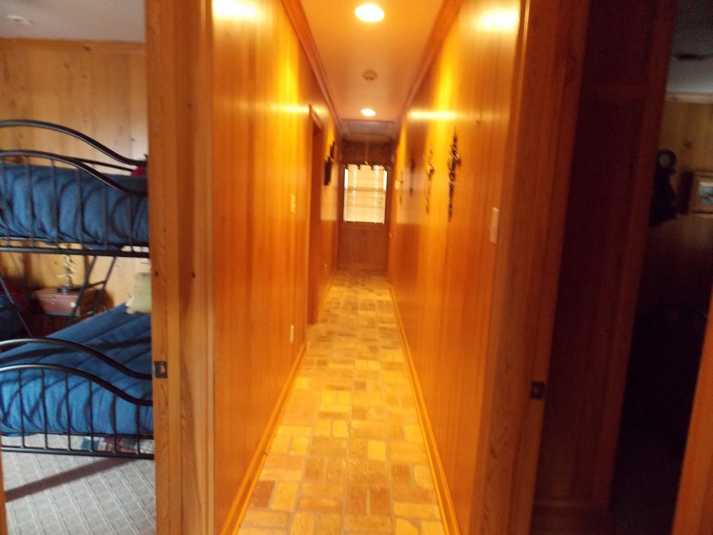 Interior, Executive Houseboat - Jean Lafitte Harbor