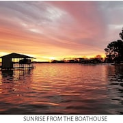 NEW Listing - 3/2 Waterfront With 2 Kayaks on Cedar Creek Lake !