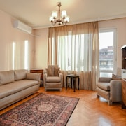 Classical 1-Bedroom Apartment on Patriarh Evtimiy Boulevard
