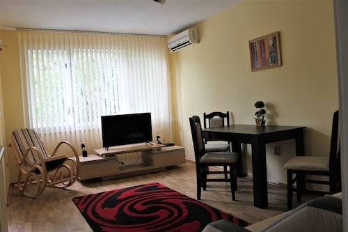 Varna Cosy & Central One Bedroom Apartment