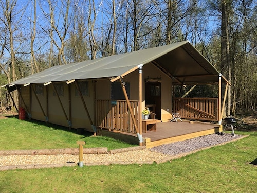 Worth Forest Glamping - Juniper Safari Tent Sleeping 6 People