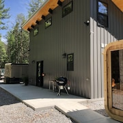 Rafter Retreat - 12 Acres and a Sauna!