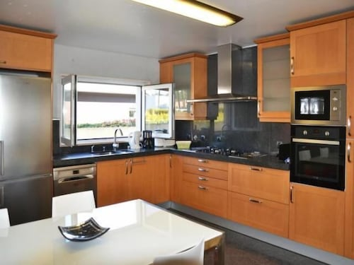 Private Kitchen, Valadares Villa, Sleeps 10 With Pool