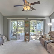 Myrtle Beach Condo W/pool & Golf Course Views