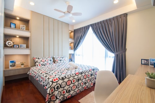 Warm & Cozy House at Oceanus
