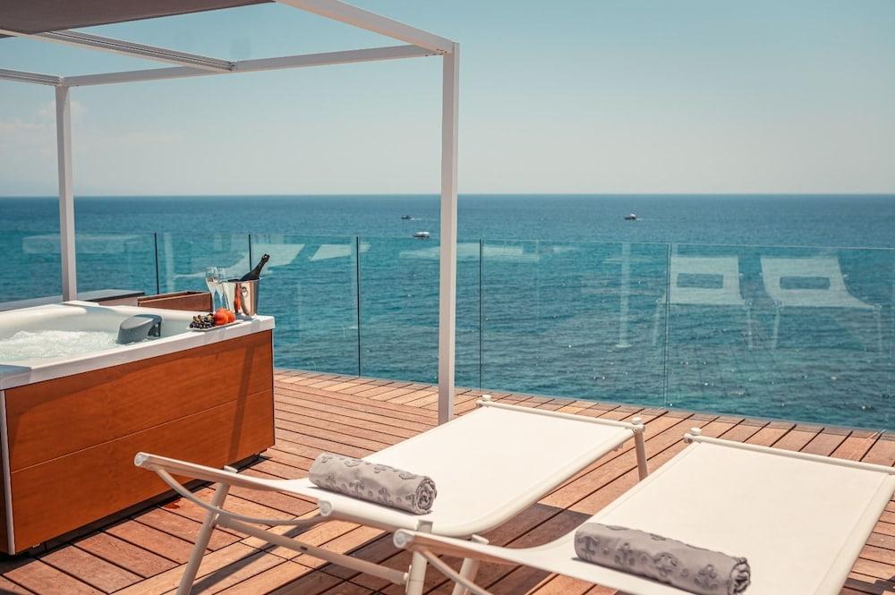 Nautilus Hotel In Taormina Coast Hotel Rates Reviews On