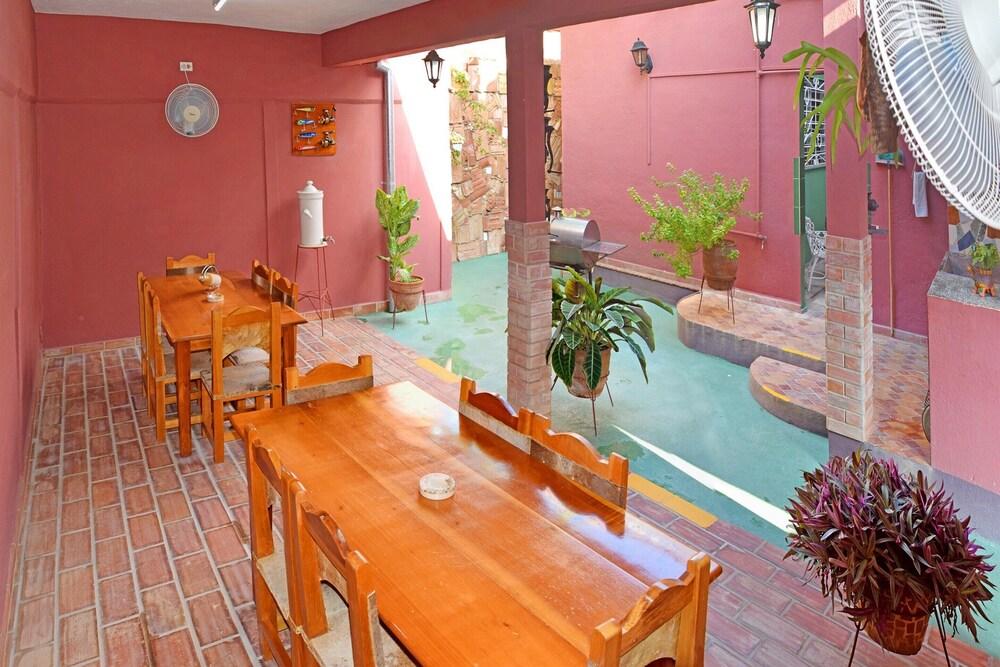 Hostal Casa De El Cura A D In Trinidad Hotel Rates Reviews On Orbitz