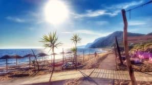 Beach nearby, beach cabanas, sun-loungers, 10 beach bars