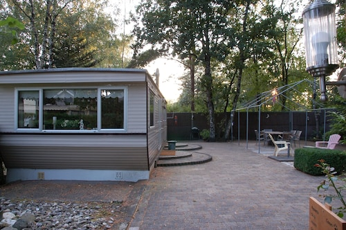 Mobile Home on the Edge of the Veluwshof Holiday Park With a Spacious Garden