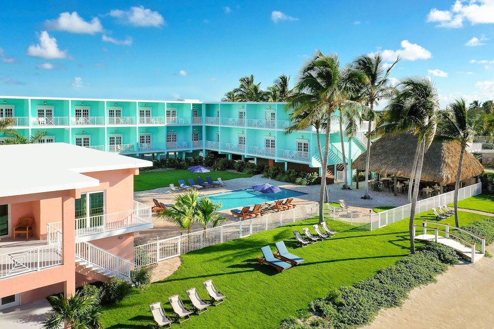 Exterior, Grassy Flats Resort & Beach Club