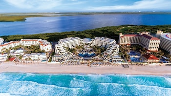 Now Emerald Cancun - All Inclusive