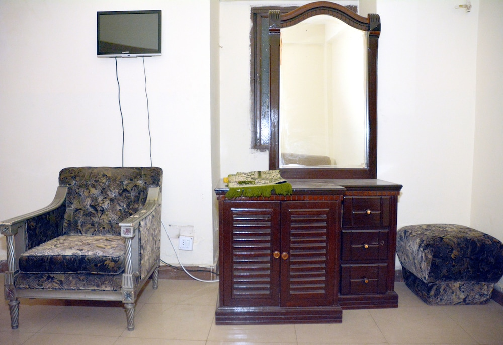 Living Area, Madina International Hotel