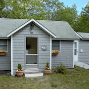 Newly Listed! Bar Harbor Cottage 3 Miles From Downtown Bar Harbor on Rt 3