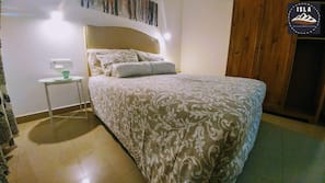 3 bedrooms, iron/ironing board, cots/infant beds, free WiFi