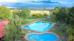 5 piscinas al aire libre