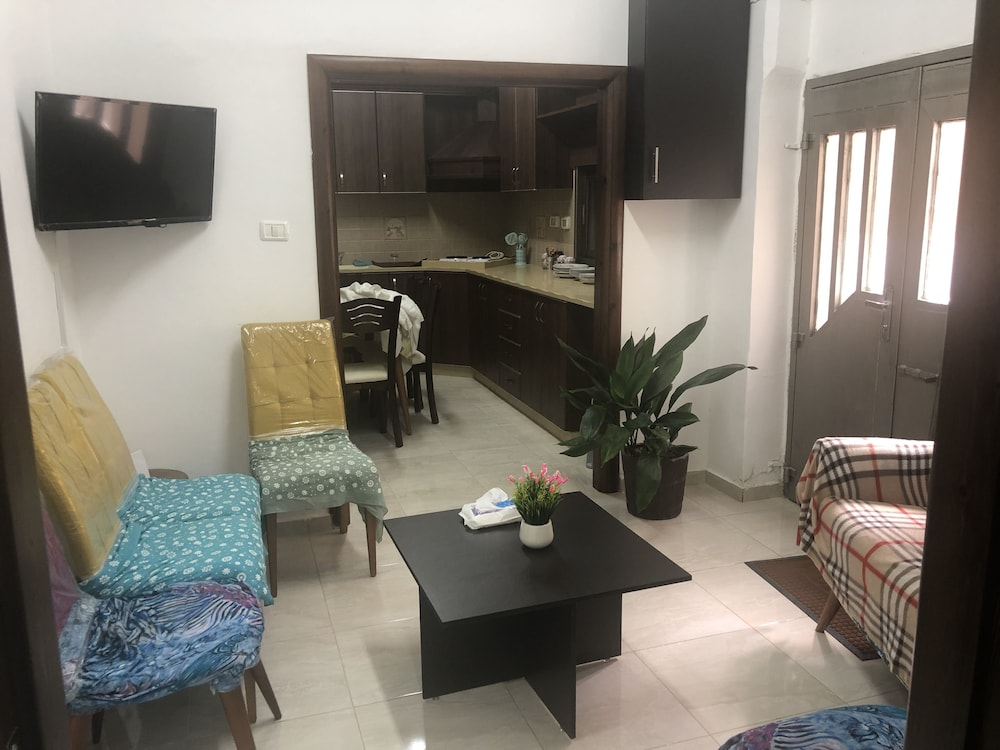 Living Area, Sabri Apartment