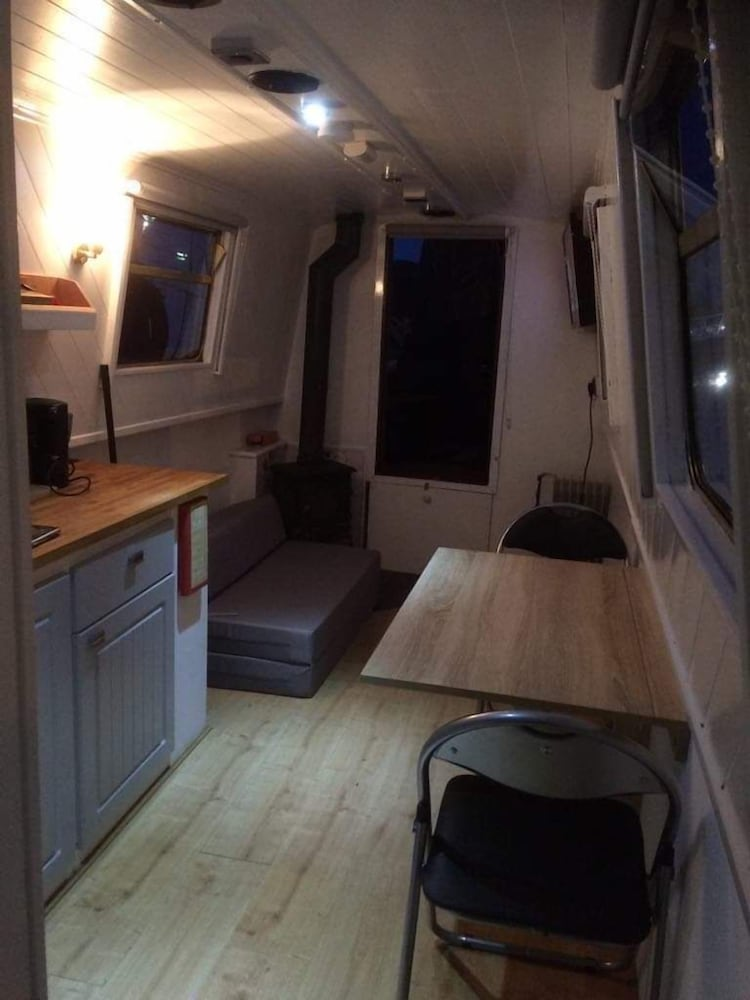 Featured Image, City Centre Entire Narrowboat