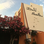 Dali Suites - Adults Only