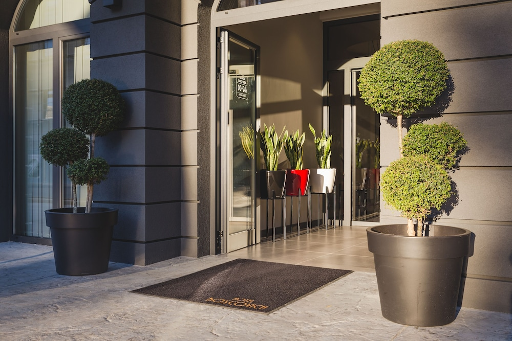 Property Entrance, Boscovich Boutique Hotel