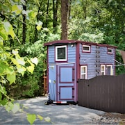 Custom Tiny Home in the Trees Minutes to Downtown Carrboro