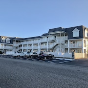 Gorgeous Beach Block Avalon/stone Harbor 1BR Condo With Pool & Ocean View!