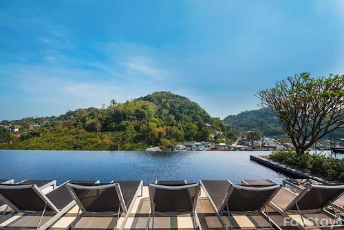 Amazing Cloud Pool With 1br, Phuket City