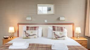 1 bedroom, iron/ironing board, free WiFi, linens