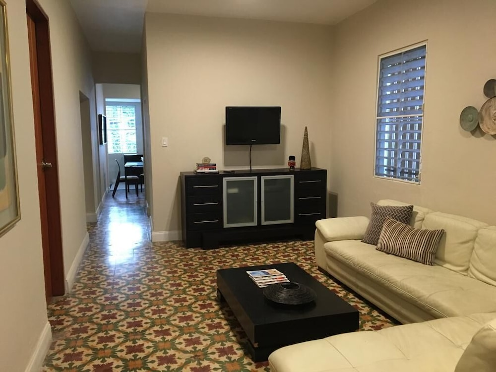 Living Area, 3 Bedroom Large Home San Juan