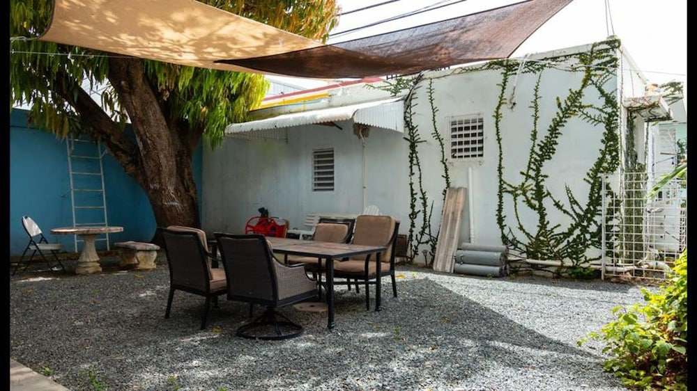 BBQ/Picnic Area, 3 Bedroom Large Home San Juan