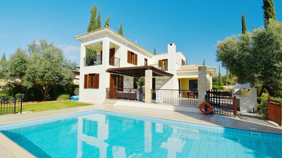 Three bedroom Villa 'Tala' (67) with private pool and golf course views. Great for families! walking distance to Aphrodite Hills Resort villag