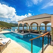 Christmas: Stunning Views! NEW Luxury Estate Finisterre SIX Suites Concierge