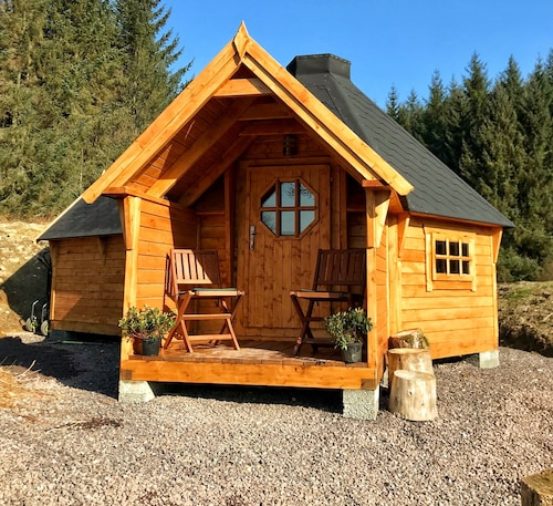 The Nest Glamping Cabin With En-suite Bathroom and Amazing Views