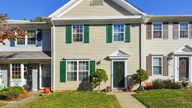 Top Rated Townhome - Our Reviews say it All. Large Discount During Pandemic. Self Checkin, Pet Friendly! Super-host Support