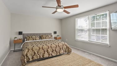 Top Rated Townhome - Largest Corner Unit With Patio, Deck, Basement, and new Luxury Mattresses! Self Checkin. Super Host Support!