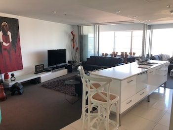 Apartment in Surfers Paradise resort