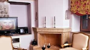 Plasma TV, fireplace, stereo