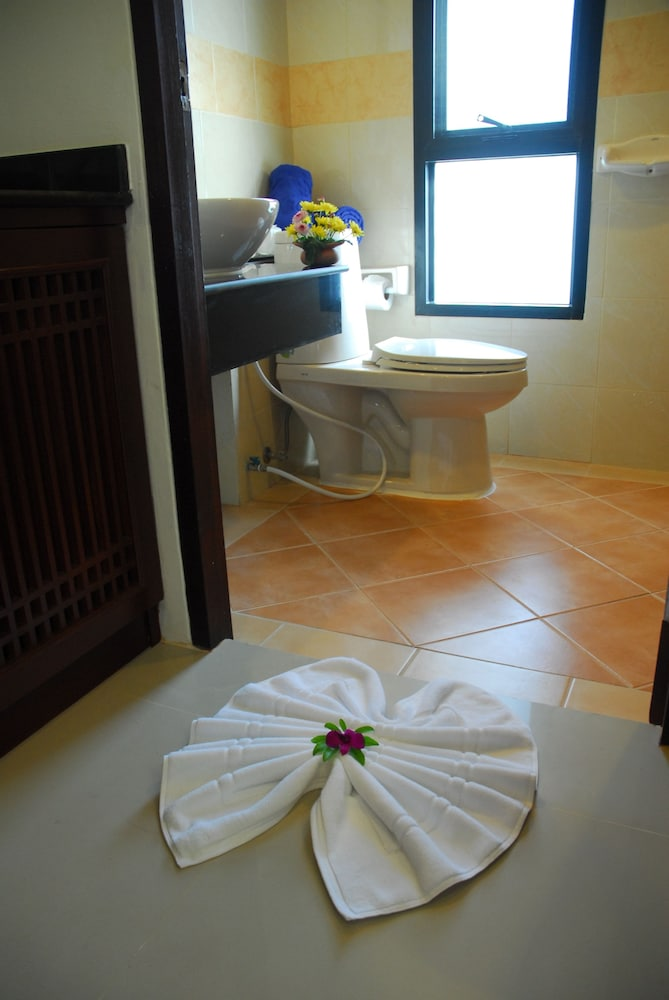 Bathroom, Khaolak Golden Place
